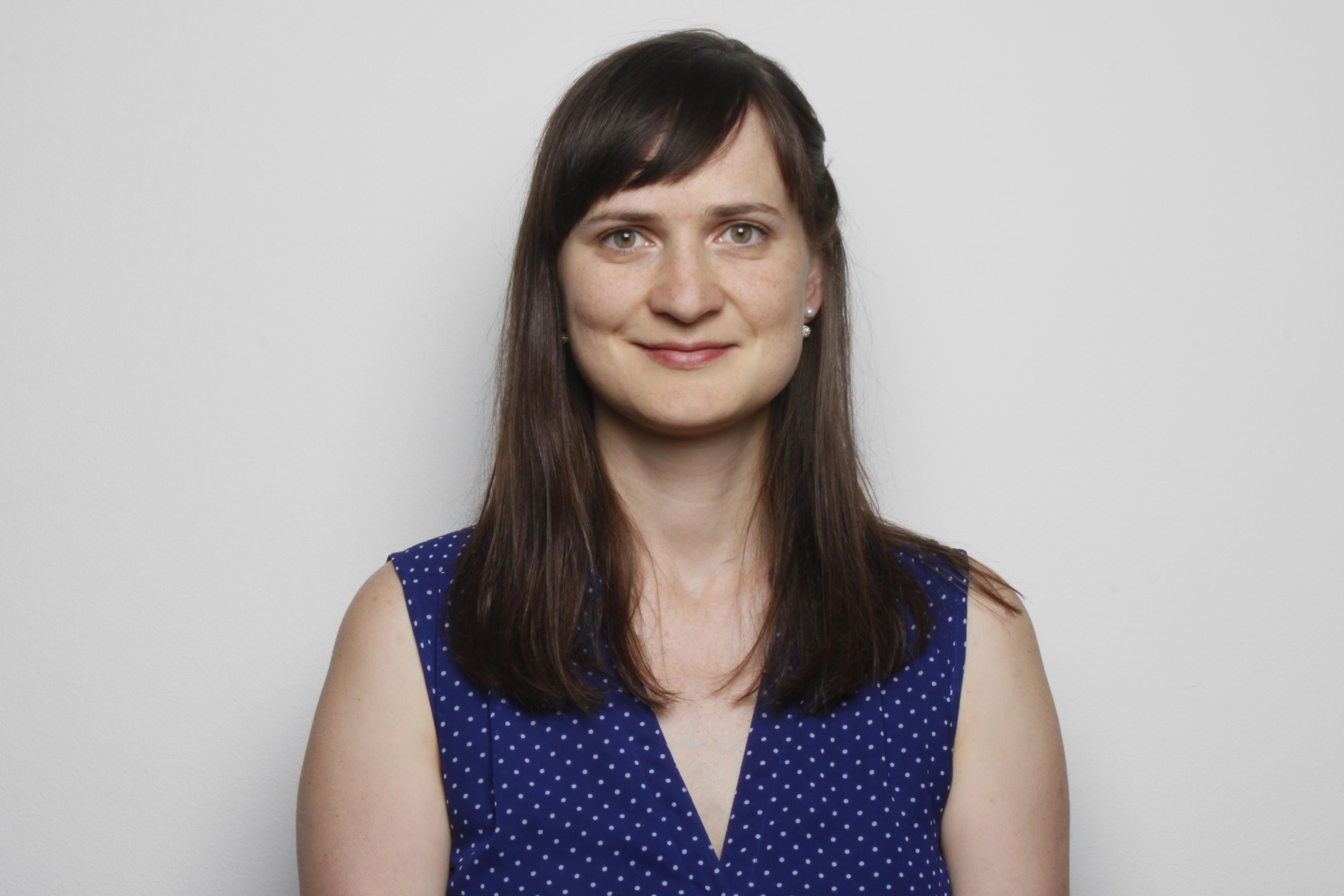 Tanya Monnier responsable de la louange